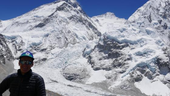 Didrik Dukefoss in font of Mount Everest.