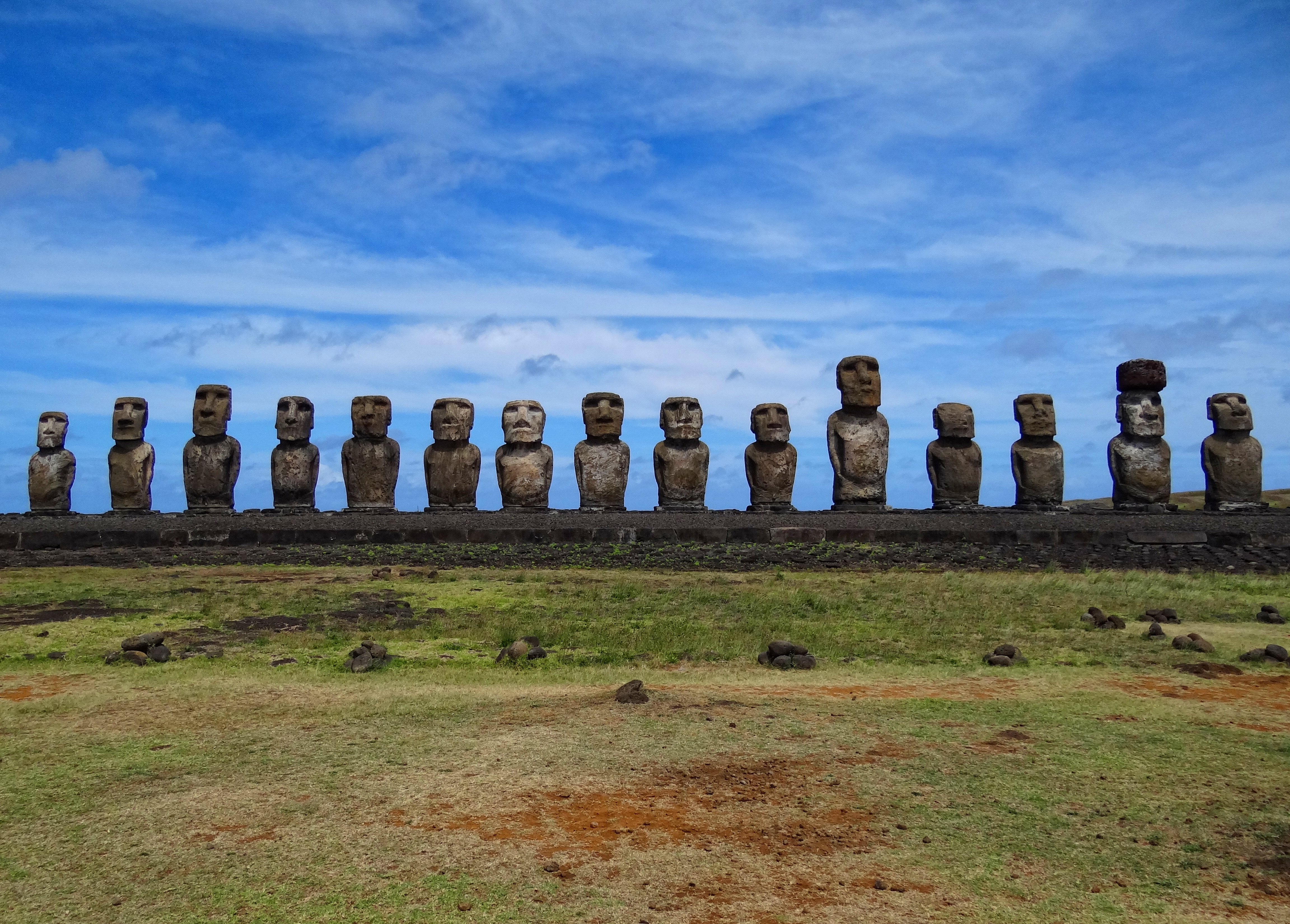New researchs reveals that we can learn a lot from the rise and fall of the population on Rapa Nui.